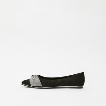 حذاء باليرينا سادة بتفاصيل فيونكة فيونكة