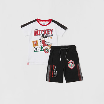 Mickey Mouse Print T-shirt and Contrast Shorts Set