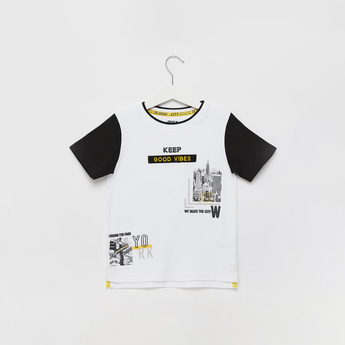 Placement Print T-shirt with Round Neck and Short Sleeves