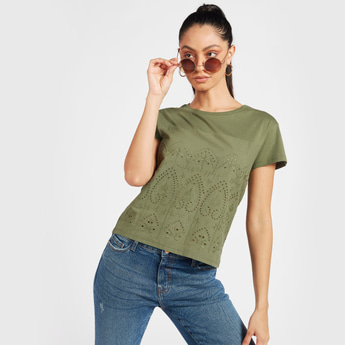 Broderie Detail T-shirt with Round Neck and Short Sleeves