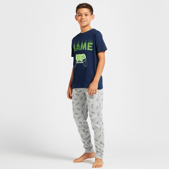 Gaming Print T-shirt and Full-Length Pyjama Set