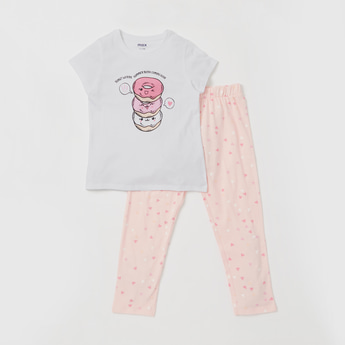 Graphic Print Cap Sleeves T-shirt and All-Over Print Pyjama Set
