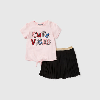 Graphic Print T-shirt with Pleated Tutu Skirt