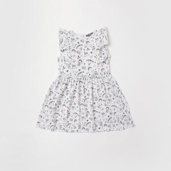 فستان دون أكمام بتفاصيل كشكش وطبعات