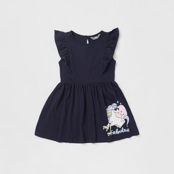 فستان بطبعات يونيكورن جرافيكية وفتحة للإغلاق