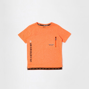 Text Print T-shirt with Short Sleeves and Pocket Detail