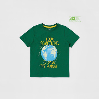Slogan Print T-shirt with Short Sleeves and Round Neck