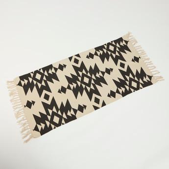 Textured Rectangular Rug with Fringe Detail - 140x70 cms