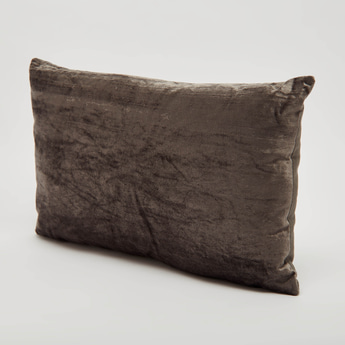 Textured Filled Cushion with Zip Closure - 50x30 cms