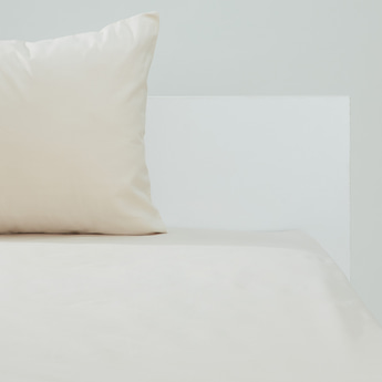 Solid Fitted Sheet with Elasticised Hem - 180x120 cms