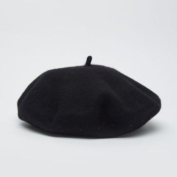 قبعة بيريه مزينة بالخرز