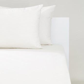 طقم شرشف مطاطي كينج مخطط وأغطية وسادة 3 قطع - 200x180 سم
