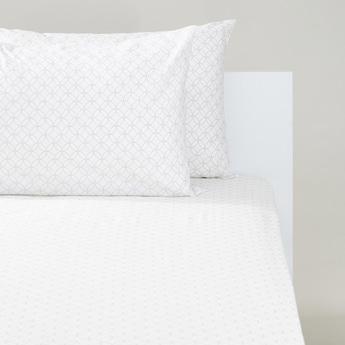 طقم شرشف مطاطي فردي بطبعات هندسية وغطائي وسادة من 3 قطع - 200x90 سم