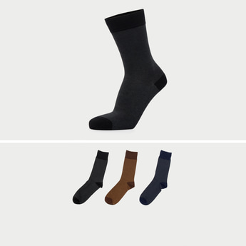Pack of 3 - Solid Crew Length Socks with Heel Patch Detail