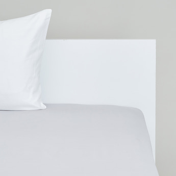 Solid Fitted Sheet with Elasticised Hem - 150x200 cms