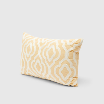 Textured Filled Cushion with Zip Closure – 50x30 cms