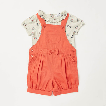 All-Over Print T-shirt with Bow Applique Detail Dungarees