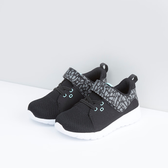 Textured and Printed Sports Shoes with Hook and Loop Closure