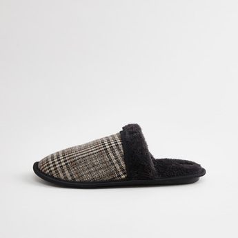 Chequered Slides with Plush Detail
