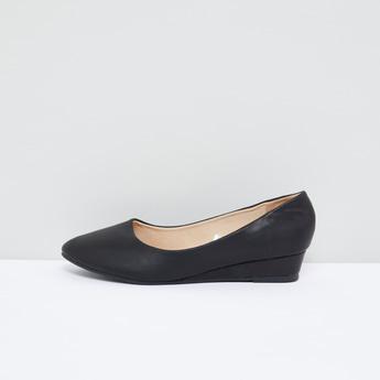 حذاء رسمي سهل الارتداء بكعب ويدج