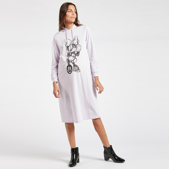فستان للحوامل بطبعات ميني ماوس وياقة بقبّعة