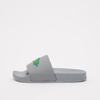 حذاء خفيف بطبعات أليجاتور