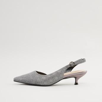 حذاء ميول بارز الملمس بإبزيم إغلاق بدبوس وكعب صغير