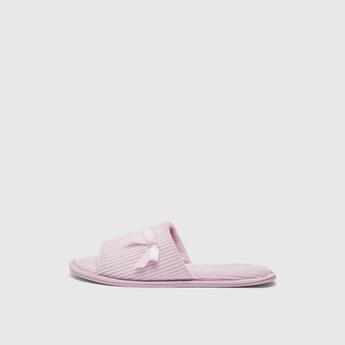 حذاء غرفة نوم مضلع بتفاصيل فيونكة