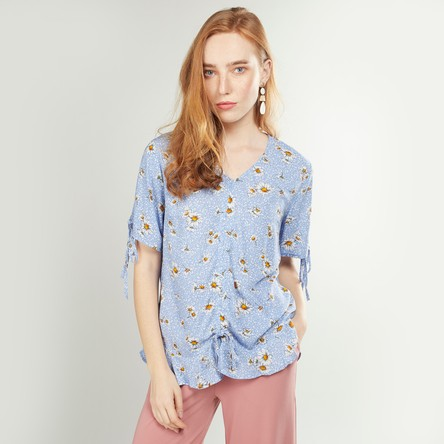 Printed Top with V-neck and Short Sleeves