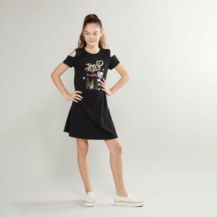 فستان مكشوف الأكتاف بياقة مستديرة وطبعات من جوجو سيوا