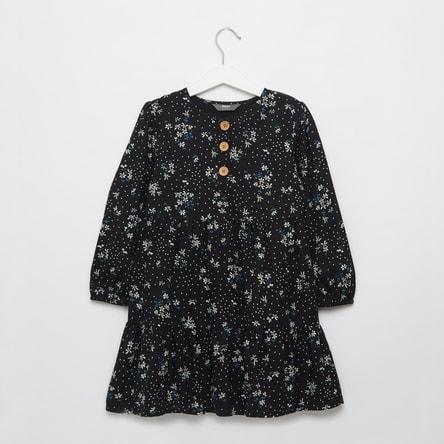 فستان متعدد الطبقات بأكمام طويلة وطبعات أزهار