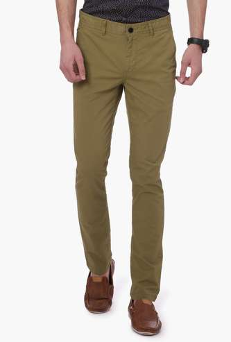 FAME FOREVER Solid Slim Straight Chino Trousers