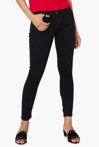FAME FOREVER Slim Fit Jeans