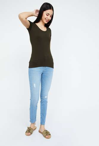 GINGER Solid Round Neck Slim Fit T-shirt
