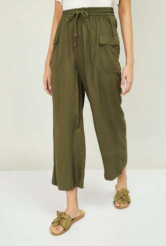 GINGER Women Solid Elasticated Flared Pants