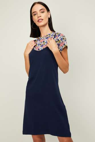 GINGER Women Solid Pinafore Dress with Printed Top