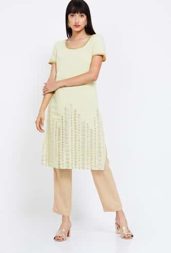 INDYA Embroidered Half Sleeves Kurta