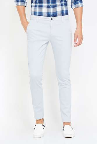FAME FOREVER Men Solid Slim Tapered Ankle-Length Chinos