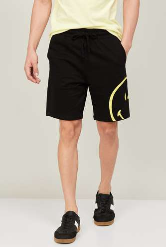 SMILEY Men Placement Print Knitted Elasticated Shorts