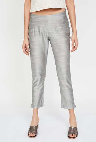 W Textured Cropped Straight Pants