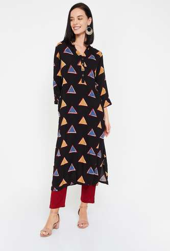 AMUKTI Women Geometric Print Three-Quarter Sleeves Kurta