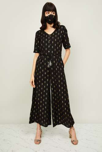 COLOUR ME Women Floral Print Cropped Jumpsuit with Mask