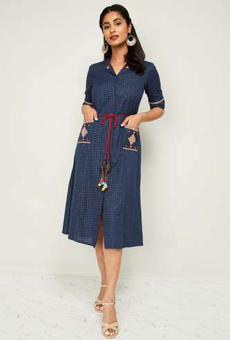 COLOUR ME Checked Three-quarter Sleeves A-line Dress with Mask