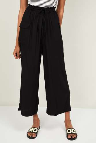 GINGER Women Solid Cropped Trousers