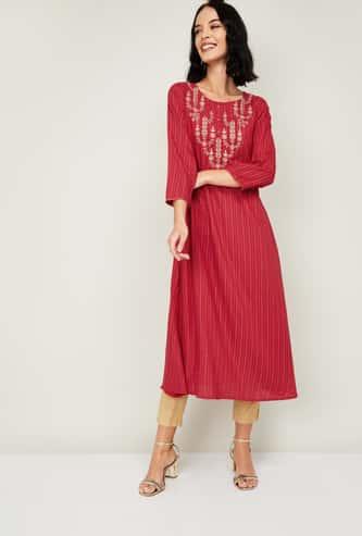 SPAN Women Embroidered Three-quarter Sleeves Kurta
