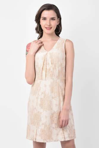 LATIN QUARTERS Women Floral Lace V-neck Sheath Dress