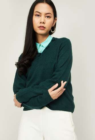 AND Women Solid V-neck Sweater