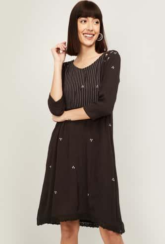 COLOUR ME Women Printed Three-quarter Sleeves Shift Dress