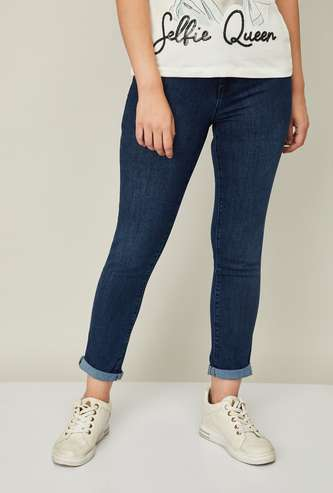 KRAUS Women Stonewashed Straight Fit Jeans