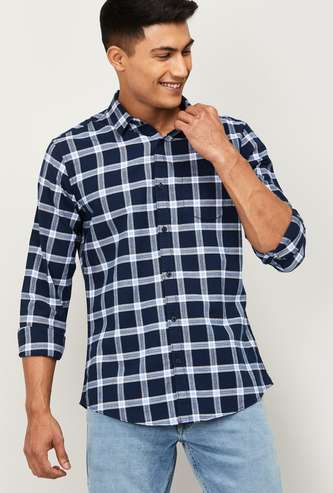 FAME FOREVER Men Checked Slim Fit Casual Shirt